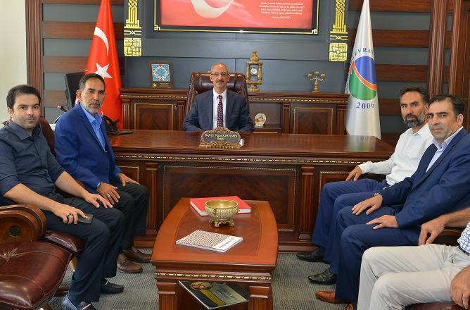 Belediye Başkanı Rasim ARAZAY, AEÜ Rektörü Vatan KARAKAYA'yı Ziyaret Etti